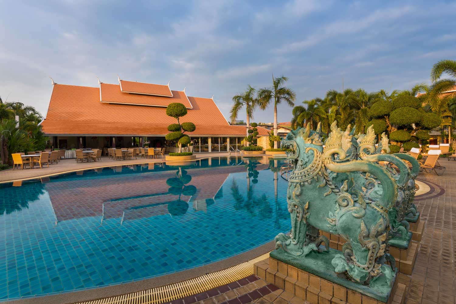 Big Swimming Pool Hotel Pattaya Thailand