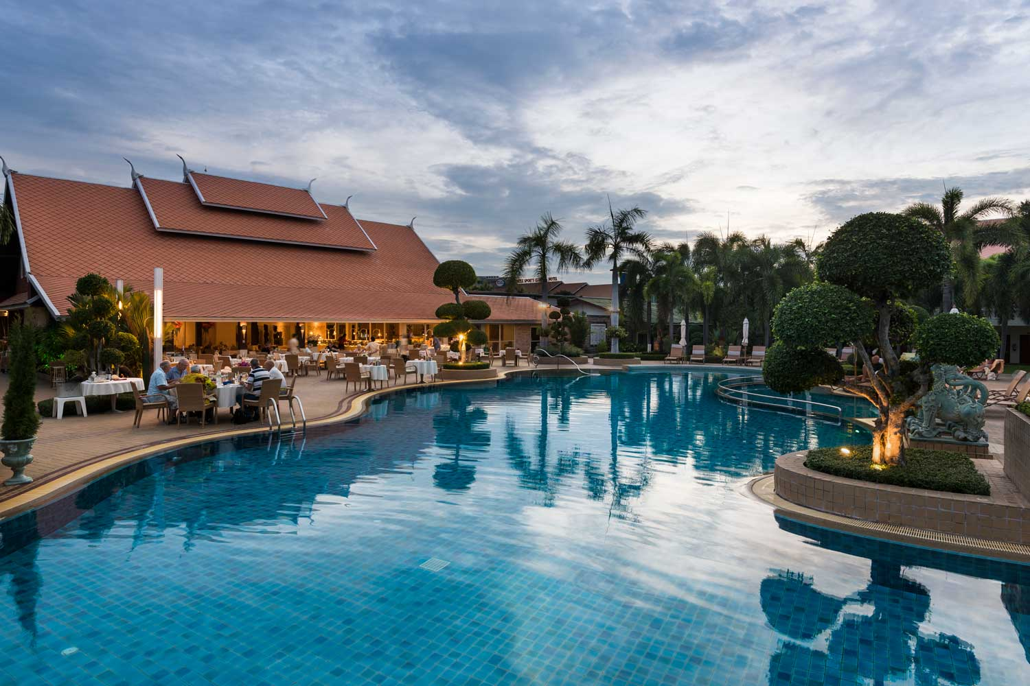 Oasis Restaurant and Lagoon Pool Thai Garden Resort Pattaya, Thailand